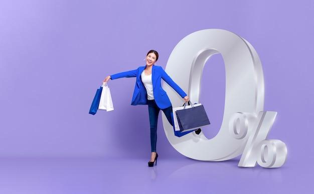 Femme asiatique, achats, à, 0, percent, intérêt, paiement, plan