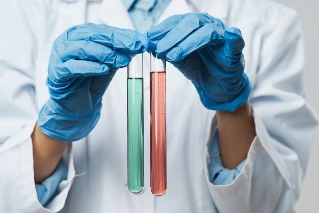Femme asiatique médecin grippe et virus en chine, coronavirus 2019-ncov