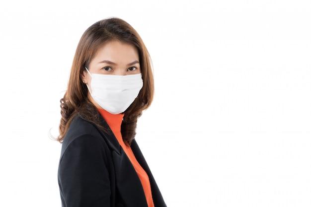 Femme asiatique, porter, masque chirurgical