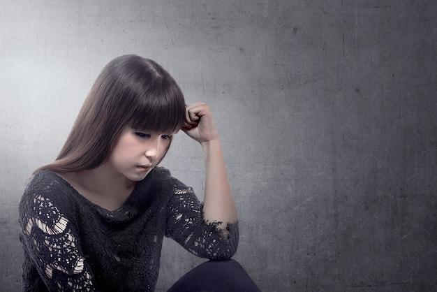 Femme asiatique stressée