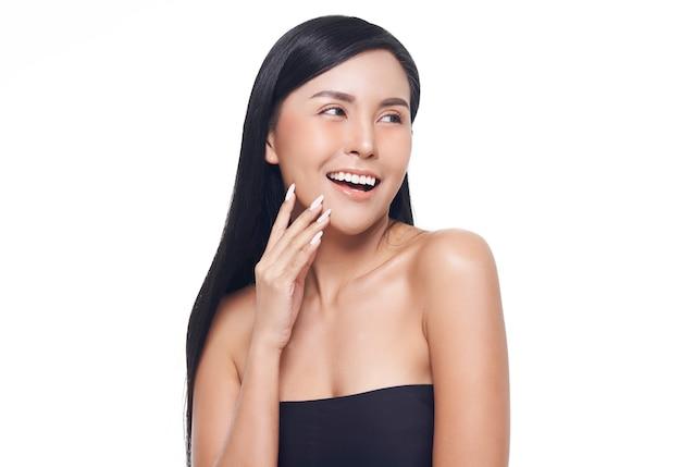 Femme asiatique, traitement visage, cosmétologie, traitement beauté