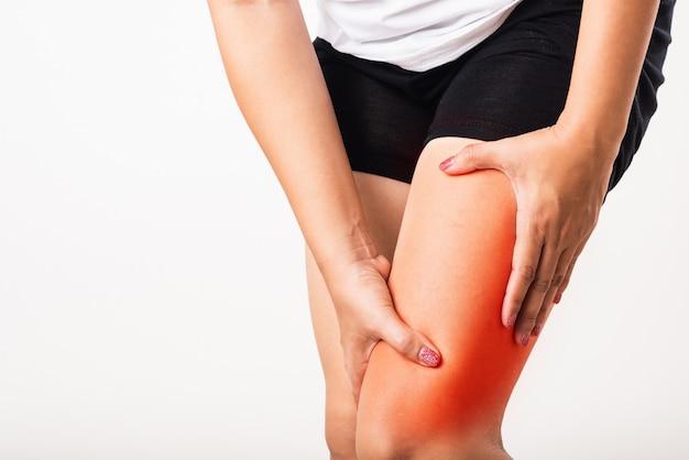Femme, avoir, crampon, veau, fatigue, douleur, jambes, elle, tenue, elle, jambe