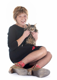 Femme et chat