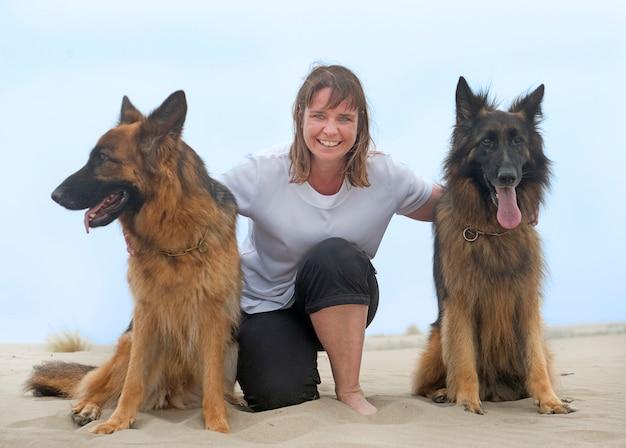 Femme et chiens