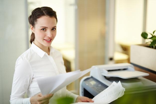 Femme comptable
