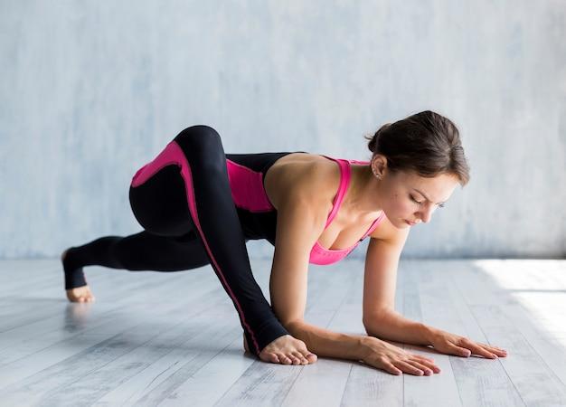 Femme concentrée trainingg