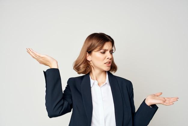 Femme en costume exécutif travail de gestionnaire de femme d'affaires