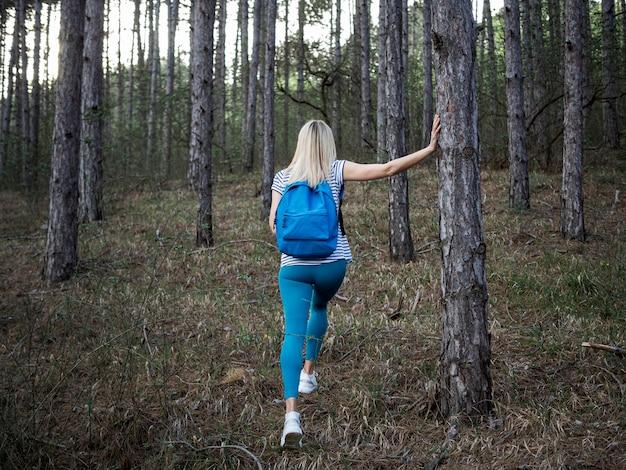 Femme, dans, forêt