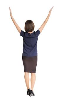 Femme écarte ses mains dans les deux sens isolé sur fond blanc