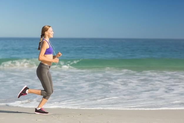 Femme, écoute, musique, exercice