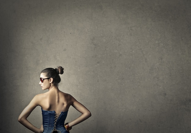 Femme élégante, lunettes de soleil