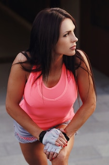 Femme Faisant Du Sport En Plein Air Photo gratuit