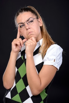 Femme folle expression dans lunettes