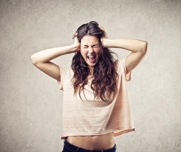 Femme furieuse folle