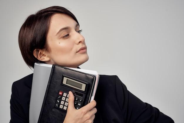 Femme gestionnaire documents fond isolé de l'emploi professionnel. photo de haute qualité