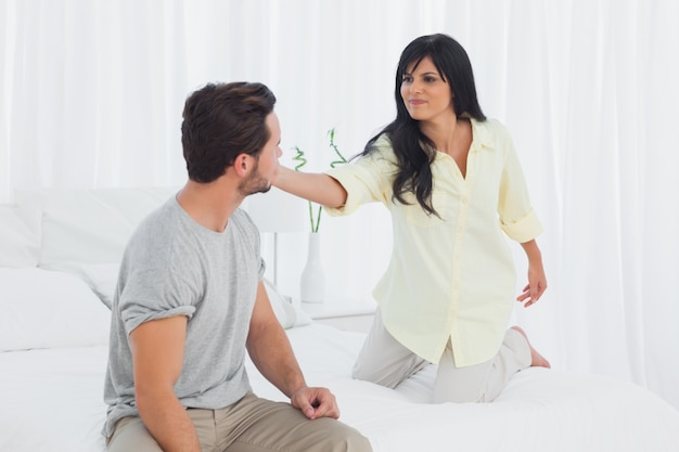 Femme gifler son petit ami