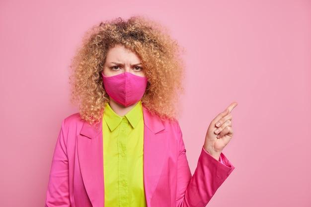 Femme insatisfaite en colère