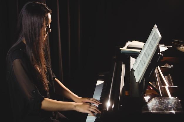 Femme, jouer, piano, musique, studio