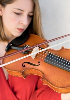 Femme, jouer, violon