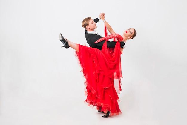 Femme, levage, jambe, quoique, danse, partenaire, danse
