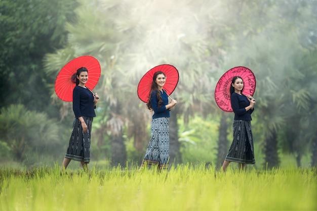 Femme locale thaïlandaise