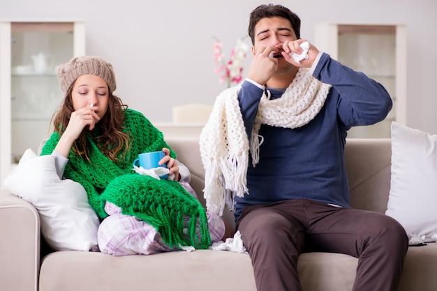Femme malade et mari à la maison