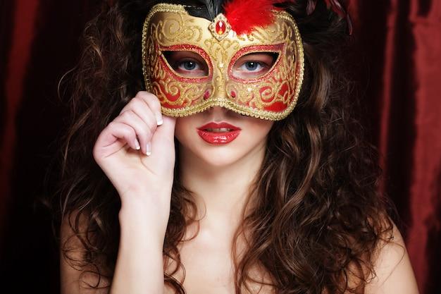 Femme, mascarade vénitienne, masque carnaval