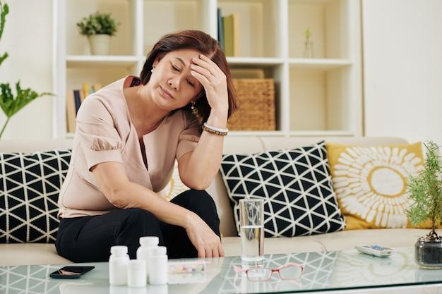 Femme mature malade stressé