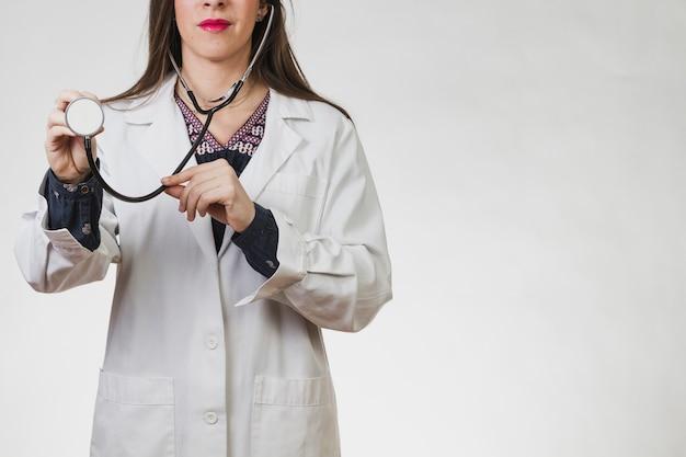 Femme médecin avec un stéthoscope
