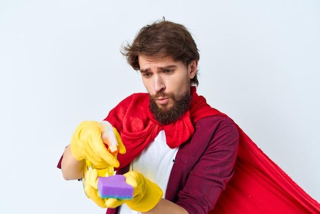 Femme de ménage manteau rouge nettoyage de l'appartement prestation de services. photo de haute qualité