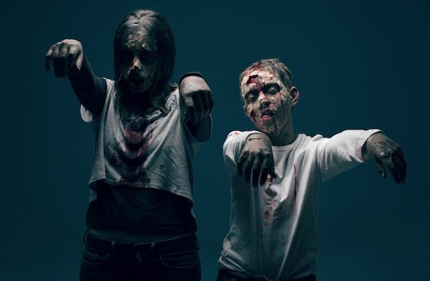 Femme morte et garçon zombies. concept d'horreur halloween
