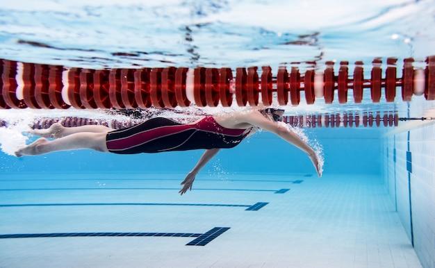 Femme, piscine., sous-marin, photo