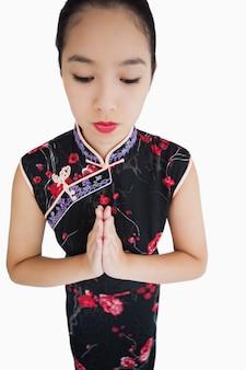 Femme, porter, kimono, mains, ensemble