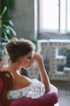 Femme en robe