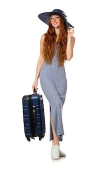 Femme se préparant pour les vacances d'été sur blanc