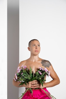 Une femme se remet d'un cancer du sein