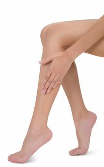 Femme, séance, tenue, jambe, masser, mollet, douleur, zone, isolé, blanc