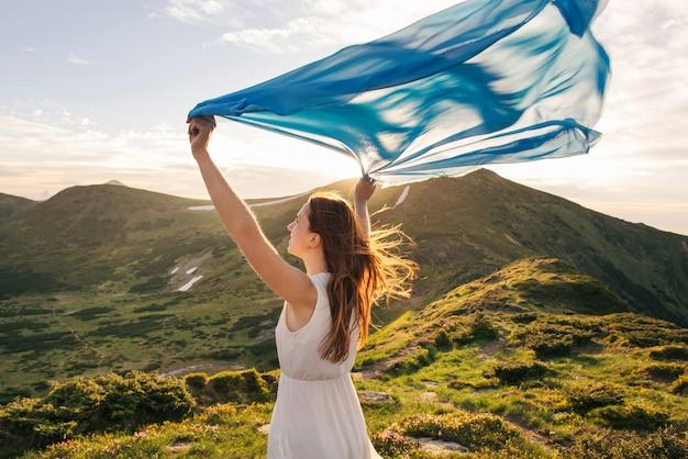 Femme, sentir, liberté, apprécier, nature