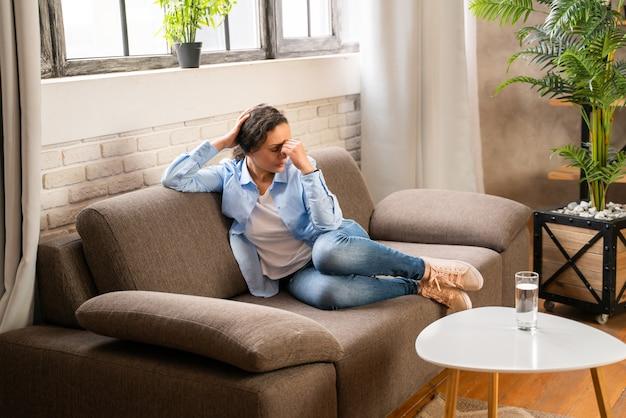 Femme souffrant de dépression et de problèmes relationnels