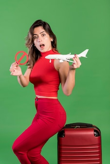 Femme surprise, aucun concept de vacances