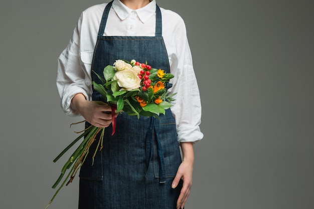 Femme, tenue, magnifique, bouquet