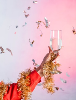 Femme, tenue, verre champagne