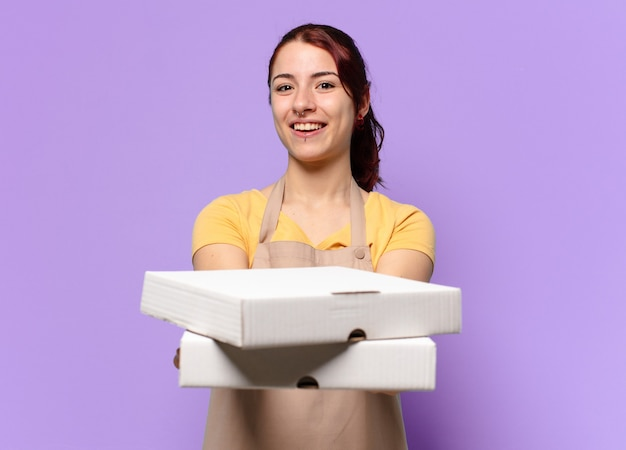 Femme tty avec des boîtes de restauration rapide à emporter
