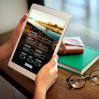Femme, utilisation, tablette numérique
