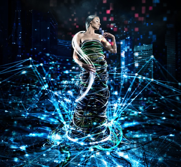 Femme vêtue de câbles électriques