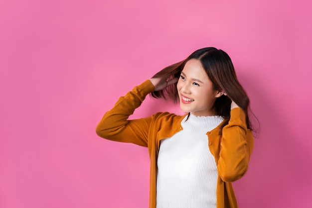 Les femmes asiatiques, elle est rafraîchissante