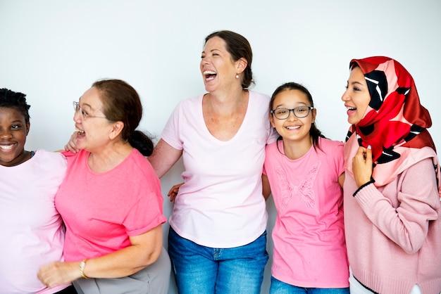 Les femmes encouragent la sensibilisation au cancer du sein