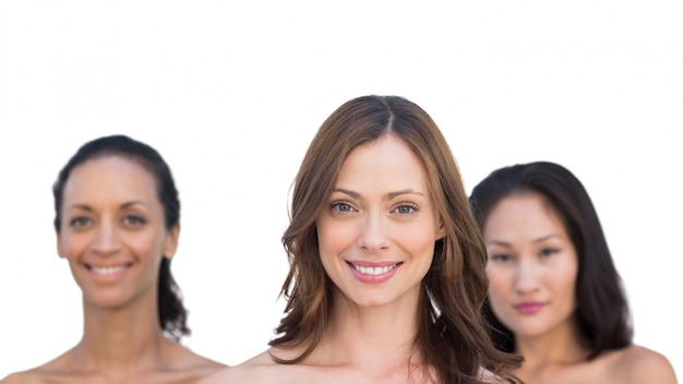 Femmes nues sensuelles naturelles posant