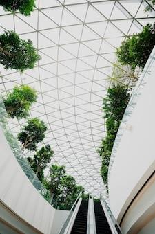 Fenêtres modernes de l'aéroport