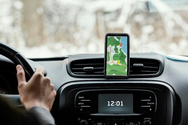 Fermer le mobile avec des indications sur la carte
